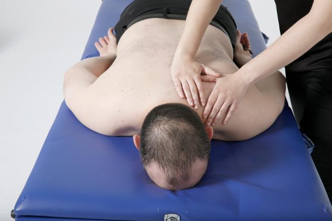 Si vives en Boadilla del Monte tienes un descuento de 8 euros en la primera sesión de fisioterapia