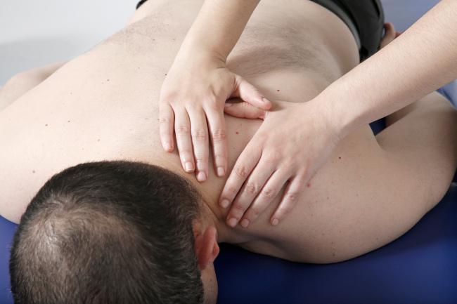 Dolencias musculares derivadas del trabajo, atención en clínica